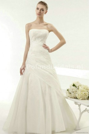 style 313.00 – Aire Barcelona 107 Yair Wedding Gown,Luxurious satin creates drama within t ...