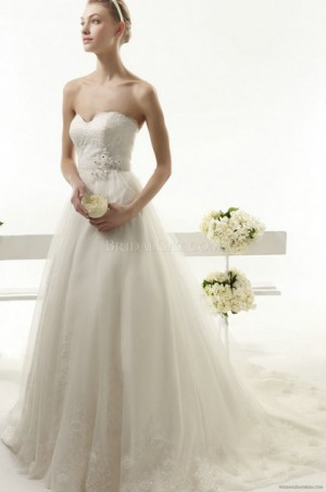style 341.00 – Aire Barcelona 119 Yelmo Wedding Gown,The waist band can be embellished wit ...
