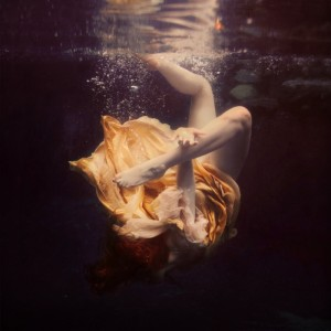 The chainless links by brookeshaden