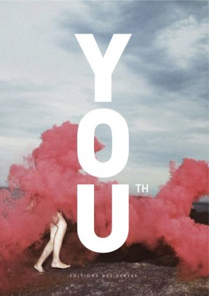 Strong typo on pale photo book cover (Cover Magazine / Book Youth)