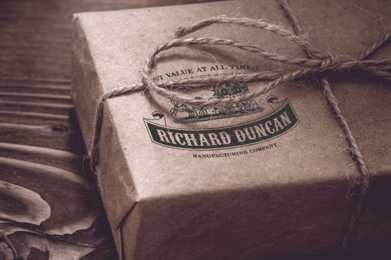 Richard Duncan LogoInspired from the 19th century era, this carefully crafted logo templates w ...