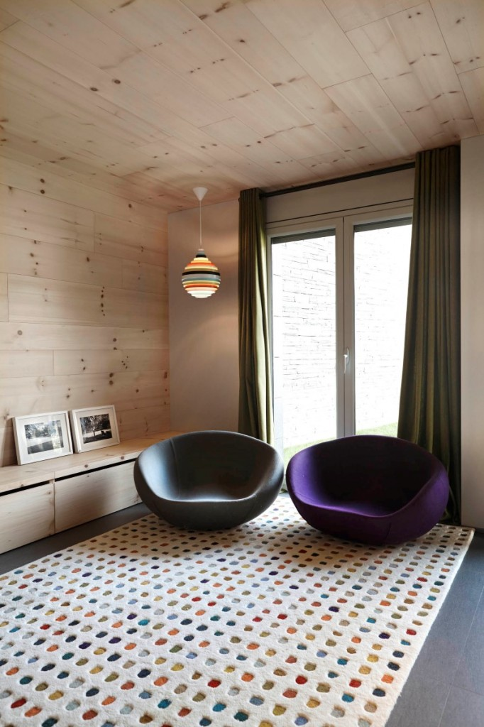 Retro house with wooden interior that gives freshness