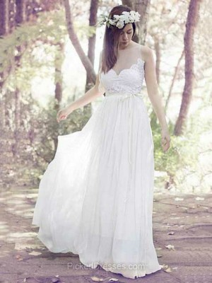 Lace Chiffon Tulle A-line Scoop Neck Sweep Train Appliques Lace Wedding Dresses