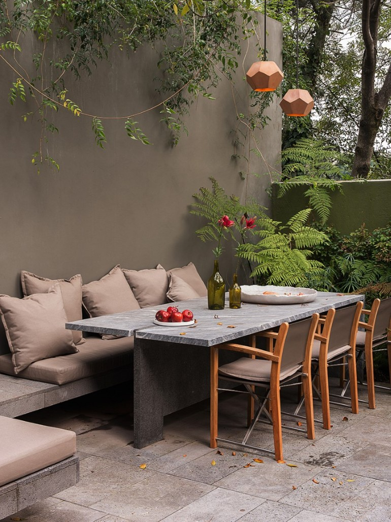 Restoration and renovation of a 1970's home in Mexico City