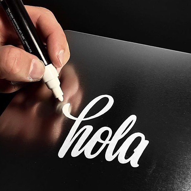 Hola by Jonathan Faust