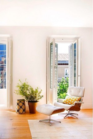 Full reconversion of 213 sq mt old flat in Madrid: Ayala House
