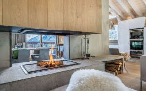 Luxury chalet located in a private hamlet – a modern winter wonderland