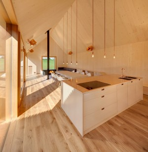 Wohnhaus aus Holz: wooden-frame house heated by a geothermal heat pump
