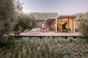 Teke House Architecture Integrates Active and Passive Sustainable Solutions