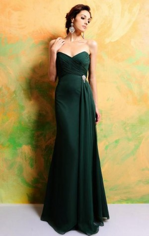 You can find this dress from http://www.queeniewedding.co.uk/dress/cheap-long-celebrity-vintage- ...