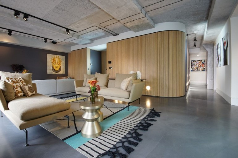 Industrial Warehouse Conversion at Ransome's Dock in London