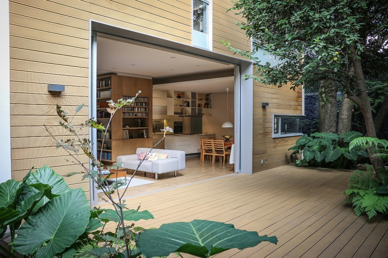 Small Eco-Friendly Home in Mexico City by Paul Cremoux