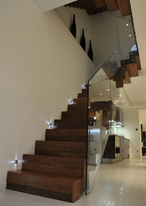 Queens Gardens – Staircase with glass balustrade