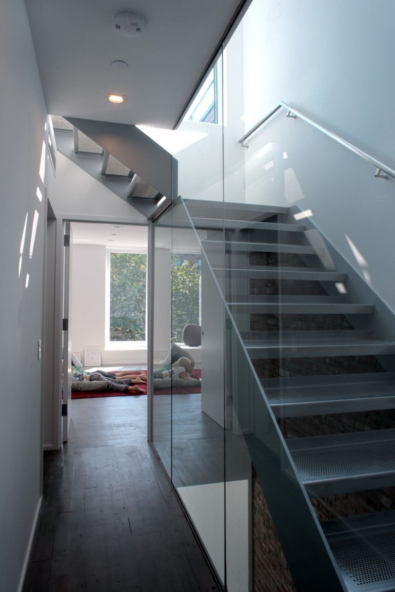 Lighthouse by Fete Nature Architecture