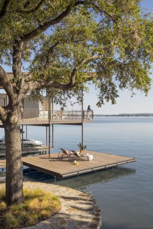 Lakeside House Rises Above the Trees For 180-Degree Views
