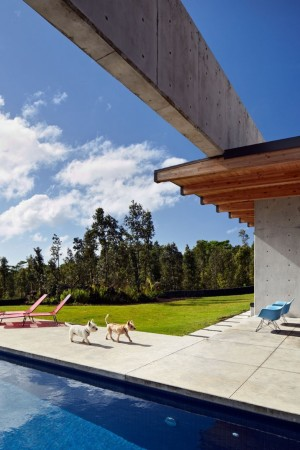 Lavaflow House in Hawaii by Craig Steely Architecture
