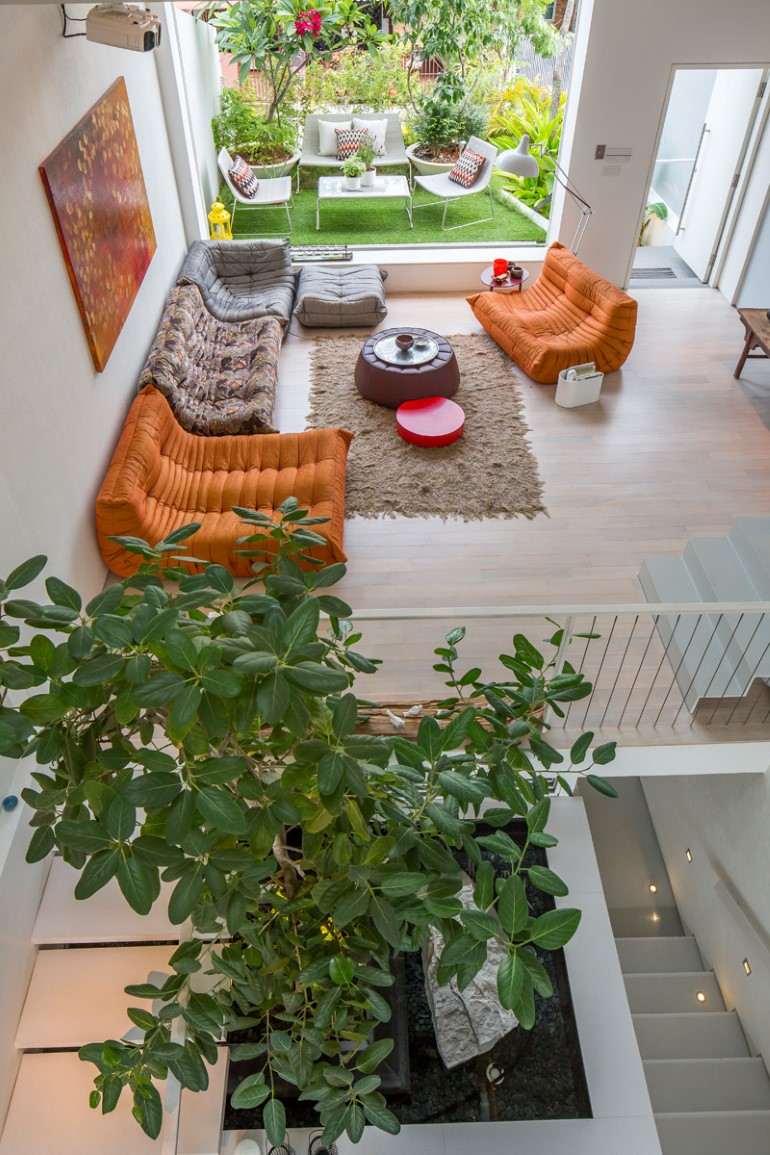 This Open House Gives You the Feeling That You Are in a Boundless Garden