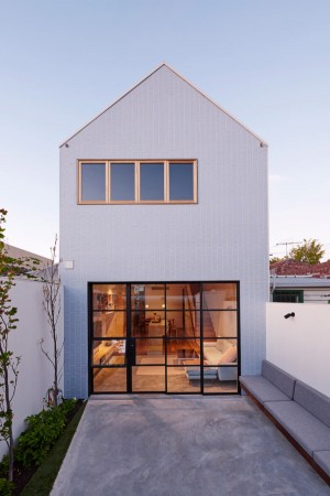 A Major Renovation for a House on a Narrow Lot