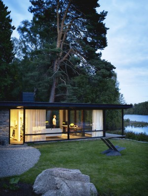 Lundnas House Combine Contemporary Aesthetics with Local Architectural Traditions