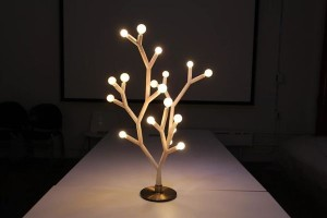Splyt light, move a sculpture into your room