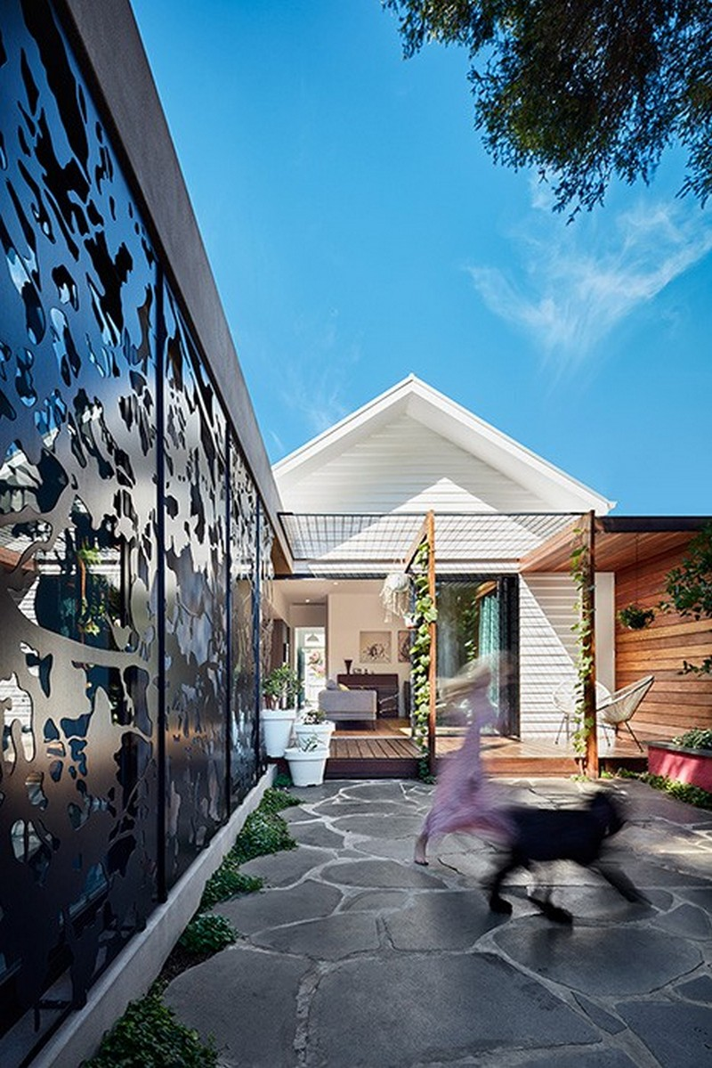 A Renovation to a Late-19th Century Workers Cottage / Bryant Alsop