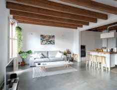 Home in Barcelona by Habitan Studio