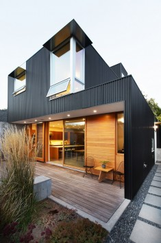 Low-Maintenance and Modern Version of a Traditional Seattle House