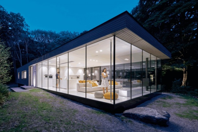 Modern Sustainable Home Set in the Middle of the Forest