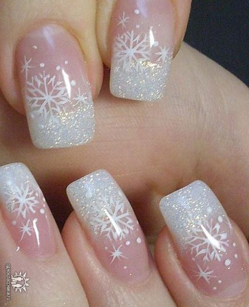 Simple Festive Christmas Acrylic Nail Designs for Winter