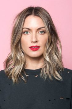 3 ways to make your Long Bob more stylish