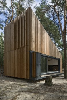 Lake Cabin / FAM Architekti + Feilden+Mawson