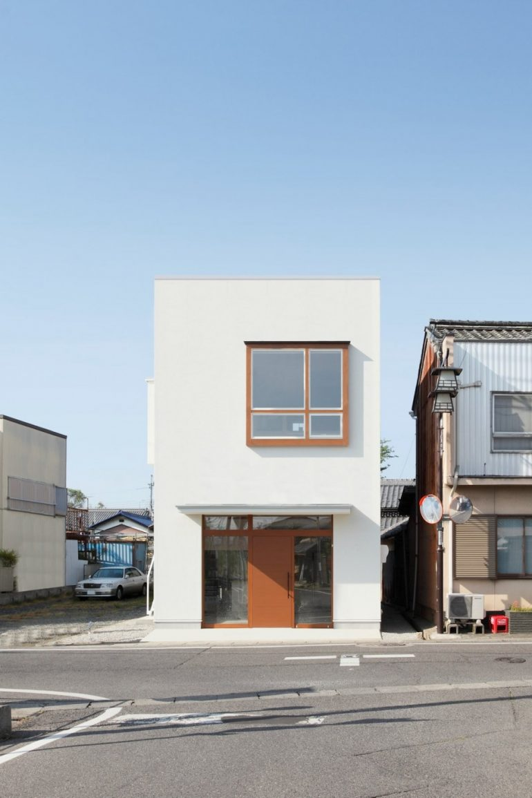 Higashihayashiguchi Dwelling with shop by ALTS Design Office