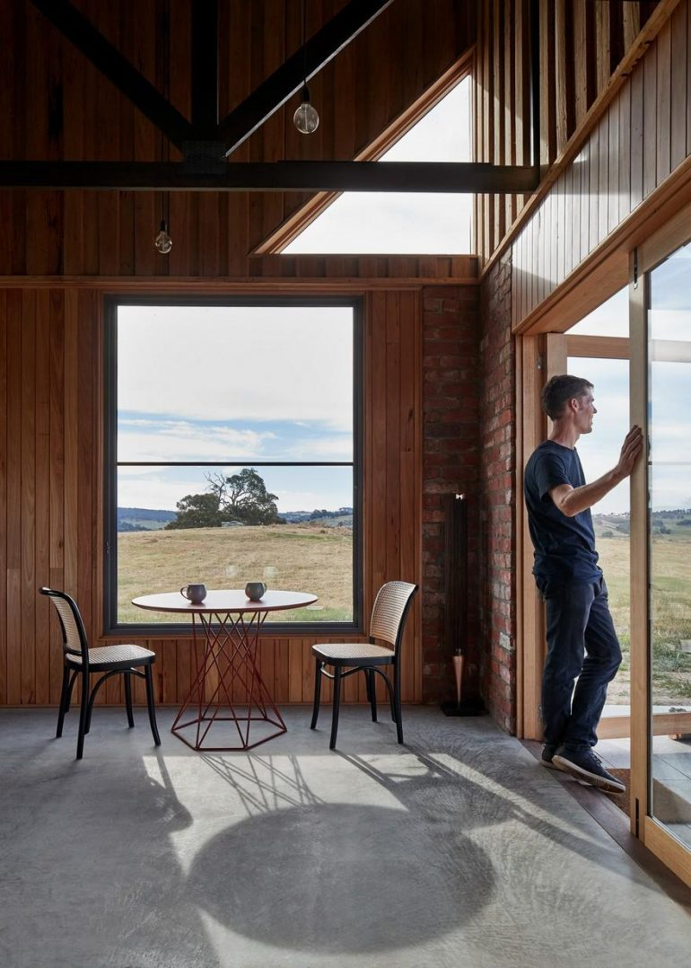 Nulla Vale House and Shed / MRTN Architects