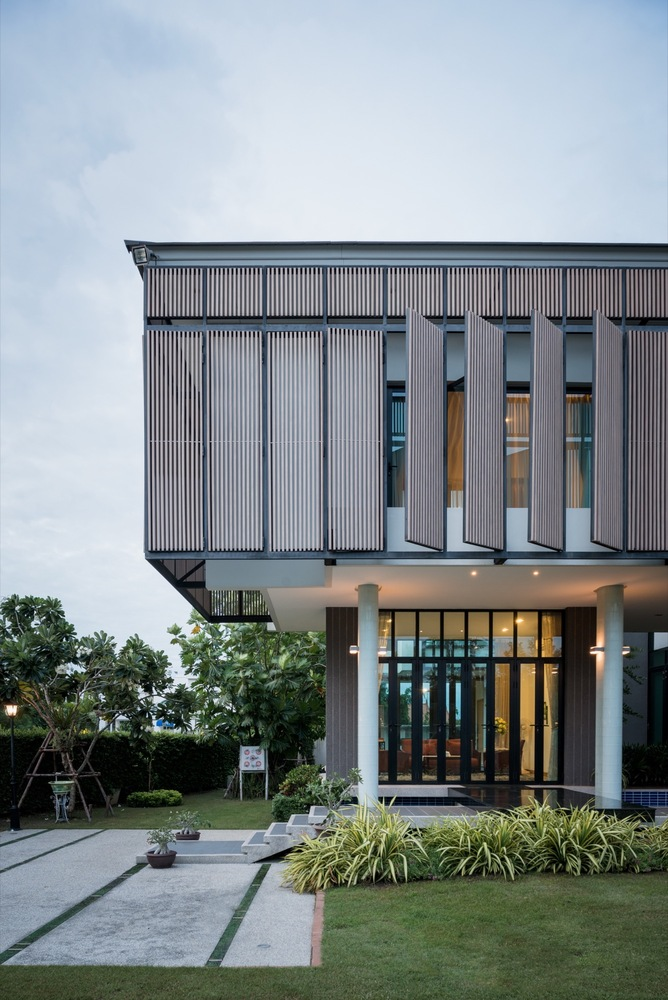 Tiwanon House / Archimontage Design Fields Sophisticated