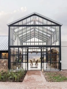 Barn-inspired Conservatory House is an off-grid escape on a Pretoria farm