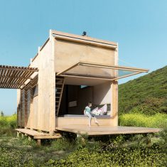 Off Grid Prefab Cabin on the Turkey-Greece Border
