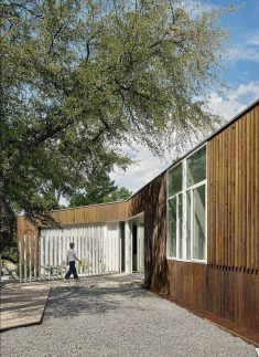 Sugar Shack Residence / Alterstudio Architecture