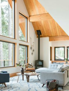 Woodsy Tahoe Cabin / Regan Baker Design
