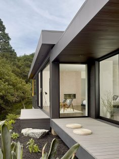 Single-Story Mid-Century House Gets an Inspiring Upgrade