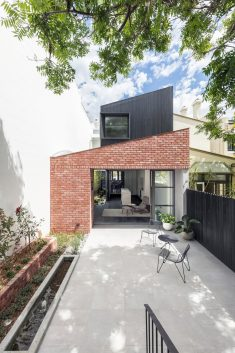 Glebe Red House / Benn & Penna Architects