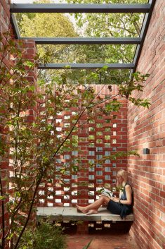 Bardolph Gardens / Breathe Architecture