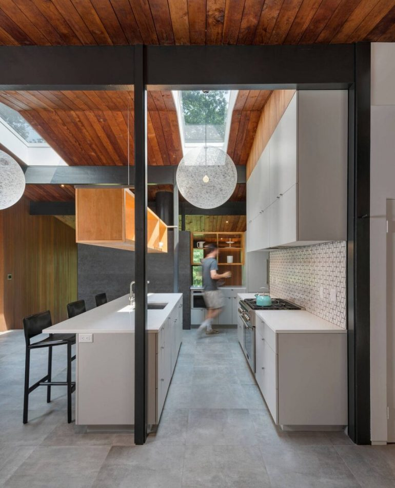 Wales Residence: Mid-Century-Modern Renovation by Flavin Architects