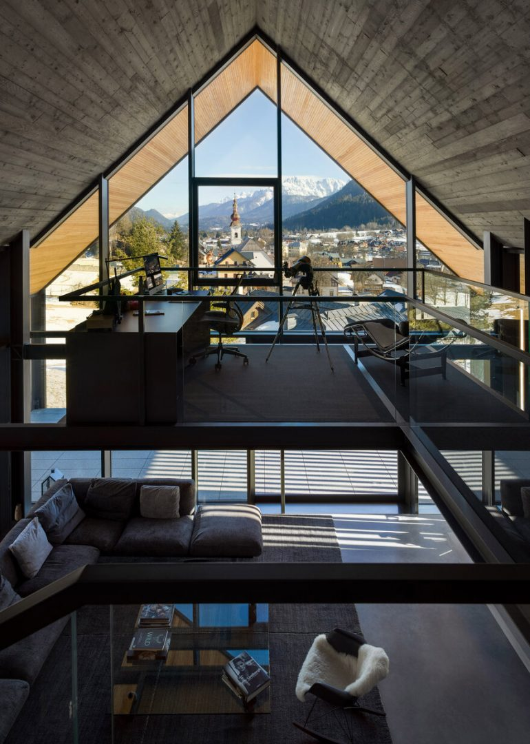 Alpine Holiday Home on a Steep Alpine Slope in Italy