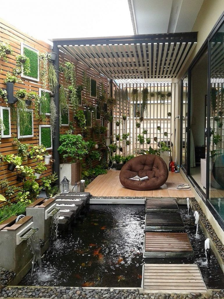 Cute Minimalist Fishpond Design For Privacy Small Backyard