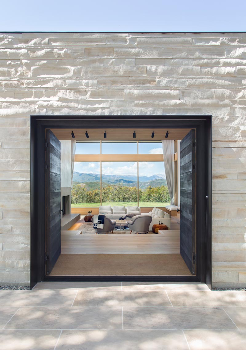 A Sunken Living Room Creates A Distinct Sense Of Place In This Colorado Home
