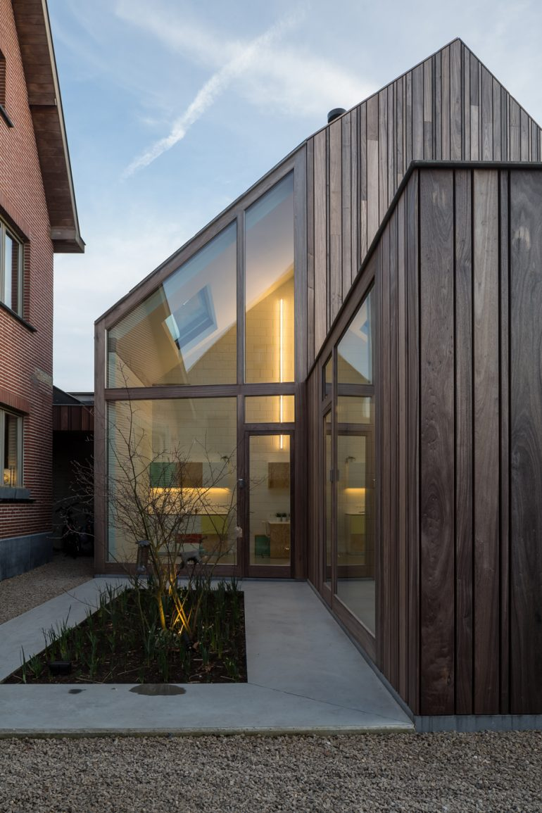 50 Shades of Wood is a timber dentist surgery in Bruges