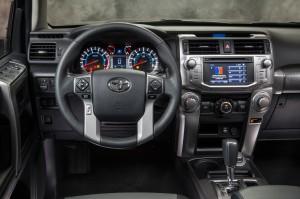 Toyota-4runner-SR5-dash