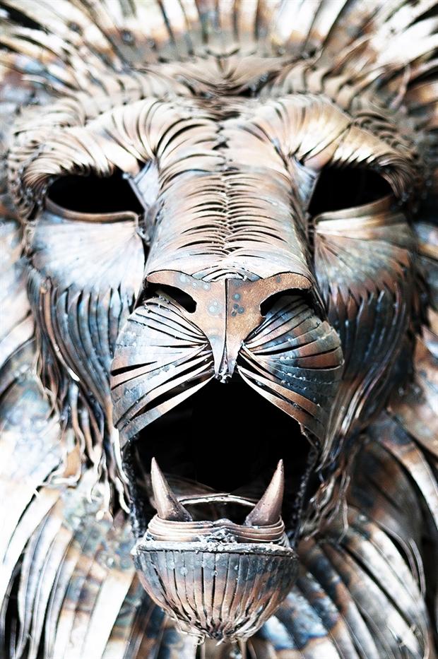 Aslan the Lion Metal Sculpture by Selçuk Yılmaz | Downgraf