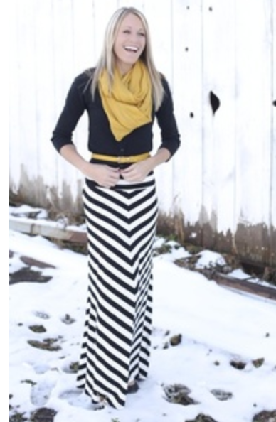 Fashion Find: Bright Colors with Black and White | Mom Generations – Mom Fashion and Beauty