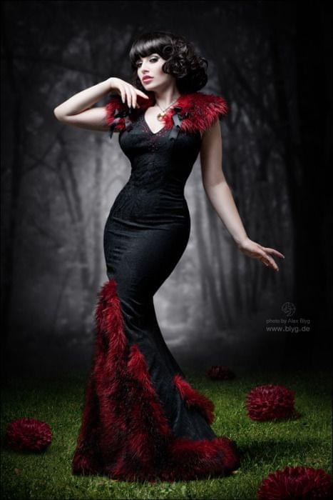 Morbid Fashion – Marita Fashionable Dresses